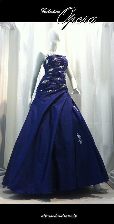 Abiti-da-sposa-BLU-classiche-e-romantiche-le-spose-in-COLOR-made-in-OPERA-Collection-2012.jpg