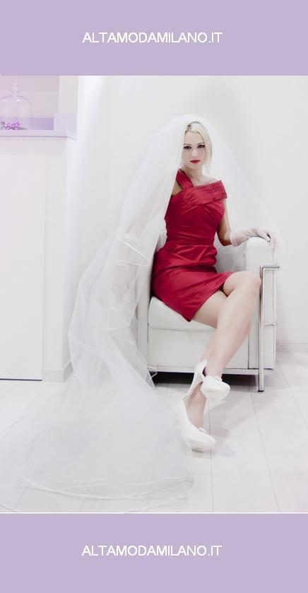 Sposa-in-rosso-abiti-da-sposa-colorati-per-donare-alle-nozze-GLAMOUR-e-STILE-unico!!!.jpg